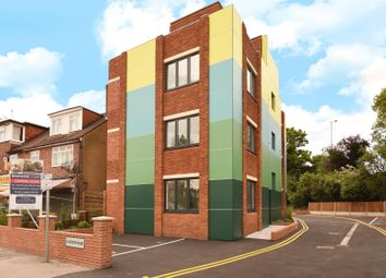 Thumbnail 1 bed flat to rent in Hercies Road, Uxbridge, Middlesex