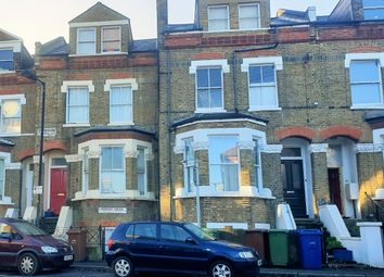 6 bed shared accommodation to rent in Lyndhurst Grove, London SE15