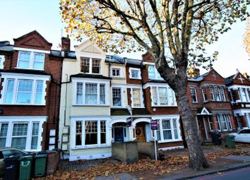 Thumbnail 3 bed flat for sale in Cavendish Road, Clapham
