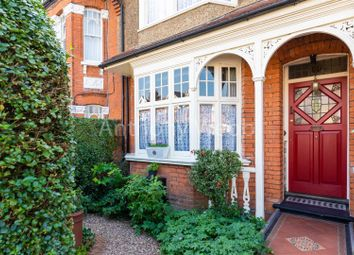 3 bed property for sale in Park Avenue, London N13