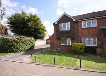 Thumbnail 2 bedroom terraced house for sale in Kingsmead, Cheshunt