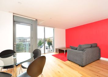 Thumbnail 1 bed flat to rent in Packington Street, Islington