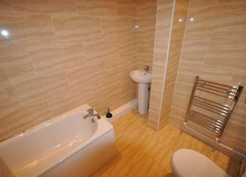 Thumbnail 1 bed flat to rent in Kings Road, Hyde Park, Leeds