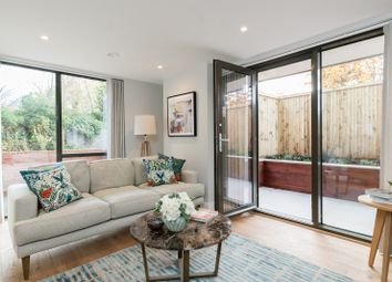 Thumbnail 2 bed flat for sale in Station Road, Gerrards Cross