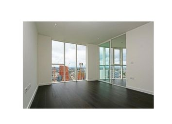 Thumbnail 2 bed flat to rent in Wandsworth Road, Vauxhall