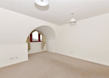 Thumbnail 1 bed flat to rent in Station Road, Gerrards Cross, Buckinghamshire