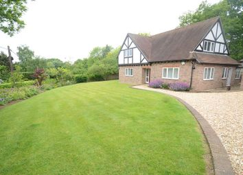 Thumbnail 3 bed detached house to rent in Sandhills, Knowl Hill, Reading