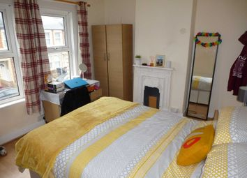 4 bed property to rent in Grange Avenue, Earley, Reading RG6