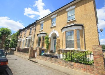 Thumbnail 3 bedroom flat to rent in Goulton Road, Hackney