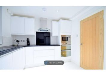 Thumbnail 2 bed flat to rent in Browning House, London