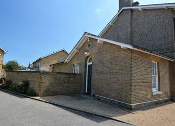 Horseshoe Crescent, Shoeburyness, Southend-On-Sea SS3. 1 bed bungalow