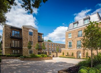 Thumbnail 1 bedroom flat for sale in Renaissance Square Apartments, Palladian Gardens, Chiswick, London