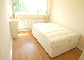 Thumbnail Room to rent in Park Road, Stanwell TW197Ny