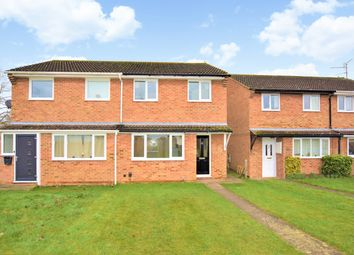 3 bed property to rent in Wye Close, Bicester, Oxon OX26