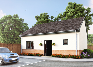 Thumbnail 2 bed bungalow for sale in Old Kent Road, Paddock Wood, Tonbridge, Kent