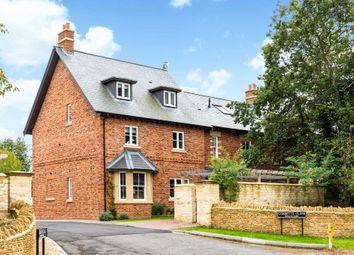 4 Keith House, Newland Street, Eynsham, Witney OX29. 3 bed flat