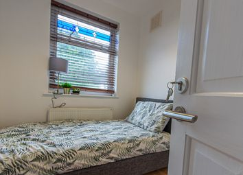 Thumbnail Room to rent in St. Christians Croft, Cheylesmore, Coventry