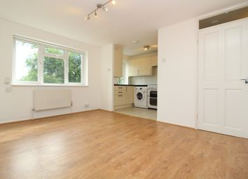 Thumbnail 1 bed flat to rent in Summerland Gardens, London