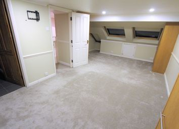 Thumbnail Room to rent in Meadow Close, London