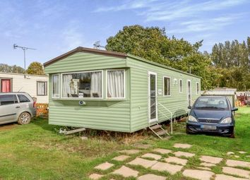 3 bed mobile/park home for sale in Birdlake Pastures, Billing Aquadrome, Northampton, Northamptonshire NN3