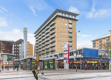 1 bed property to rent in Hamlyn House, High Street, Feltham TW13