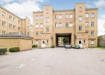 2 bed flat for sale in Kidman Close, Gidea Park, Romford RM2