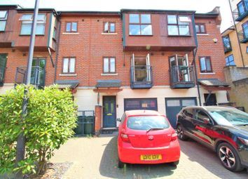 Thumbnail 3 bed town house for sale in Fairfax Mews, London