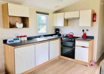 2 bed mobile/park home for sale in Reach Road, St. Margarets-At-Cliffe, Dover, Kent CT15