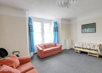 3 bed flat to rent in High Street North, London E6