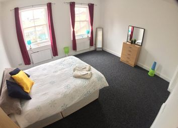 Thumbnail 4 bed shared accommodation to rent in Newark Street, London