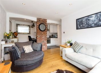 Thumbnail 2 bedroom flat for sale in The Paddocks, Savill Way, Marlow, Buckinghamshire