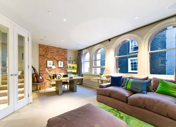 New Row, London WC2N. 2 bed detached house