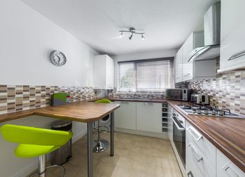 Thumbnail 2 bed flat for sale in Newburgh, Erskine