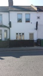 Thumbnail 1 bedroom flat to rent in Leavesden Road, Watford