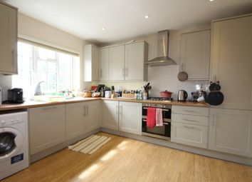 Thumbnail 3 bedroom flat to rent in High Street, Esher