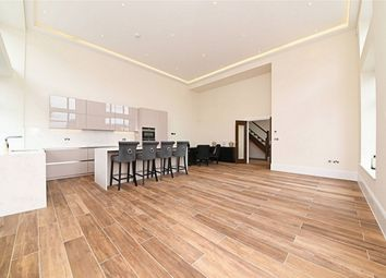 2 bed flat for sale in Clementine Court, Dollis Park, Finchley Central N3
