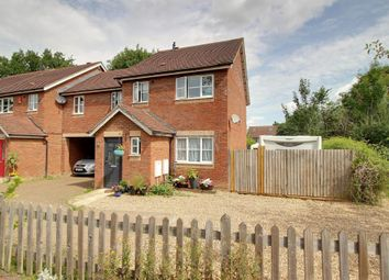 Thumbnail 4 bed link-detached house for sale in Greystock Road, Warfield, Bracknell