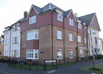 Thumbnail 2 bedroom flat for sale in Limeburners Drive, Halling, Kent