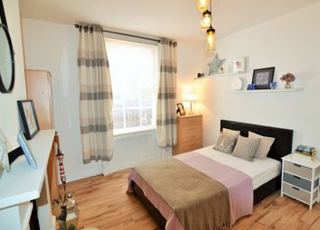 Thumbnail Room to rent in 12 Howard Street, Reading