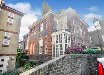 John Nicholas House, Westcliff Road, Ramsgate, Kent CT11. 2 bed flat