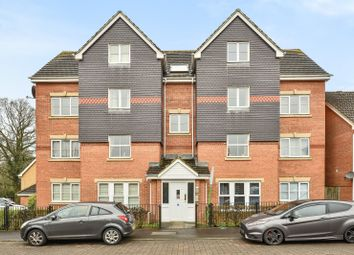 Thumbnail 2 bedroom flat to rent in Fawn Crescent, Hedge End, Southampton