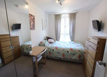 Room to rent in Brunel Road, London SE16
