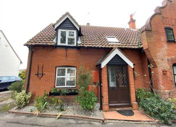 Bridgecote Lane, Noak Bridge SS15. 2 bed semi-detached house