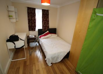 Thumbnail Studio to rent in Brightwell Crescent Tooting Broadway, Tooting