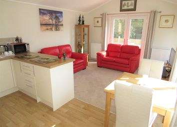 Hillbury Road, Alderholt, Fordingbridge SP6. 2 bed mobile/park home