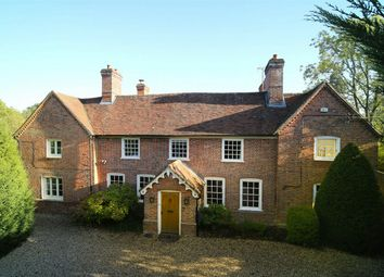 Thumbnail 6 bed detached house to rent in Reading Road, Heckfield, Hook