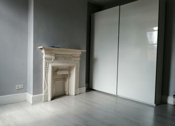 Thumbnail Room to rent in Larch Road, Crickelwood