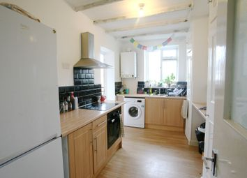 Thumbnail 4 bedroom shared accommodation to rent in Ravenet Street, London