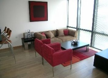 Thumbnail 2 bedroom flat to rent in No. 1 West India Quay, Hertsmere Road, Canary Wharf