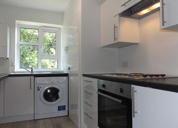 2 bed flat to rent in Southend Close, Eltham SE9